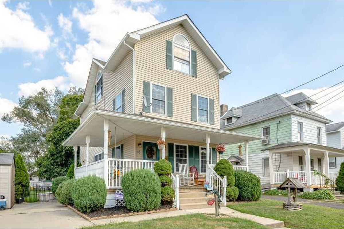 Charming new jersey single family home asks 270k curbed for Modern single family homes