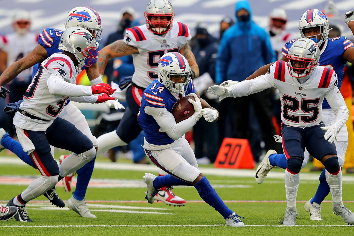Stefon Diggs #14 of the Buffalo Bills rushes during a game against the New England Patriots at Bills Stadium on November 01, 2020 in Orchard Park, New York.