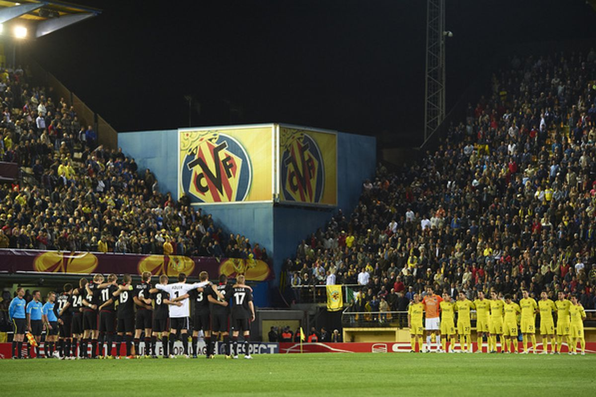Moment of silence at first match after the Japan earthquake; Villarreal travels to Hong Kong to play a fundraiser for earthquake relief immediately after the season ends(Photo by Manuel Queimadelos Alonso/Getty Images)