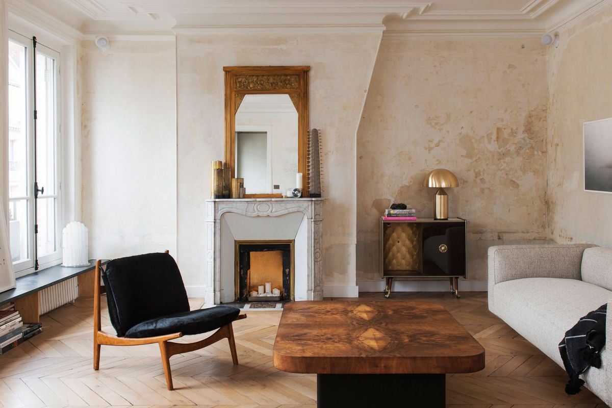 Foyer Minimalist Art : Classic paris apartment goes minimal with stark renovation curbed