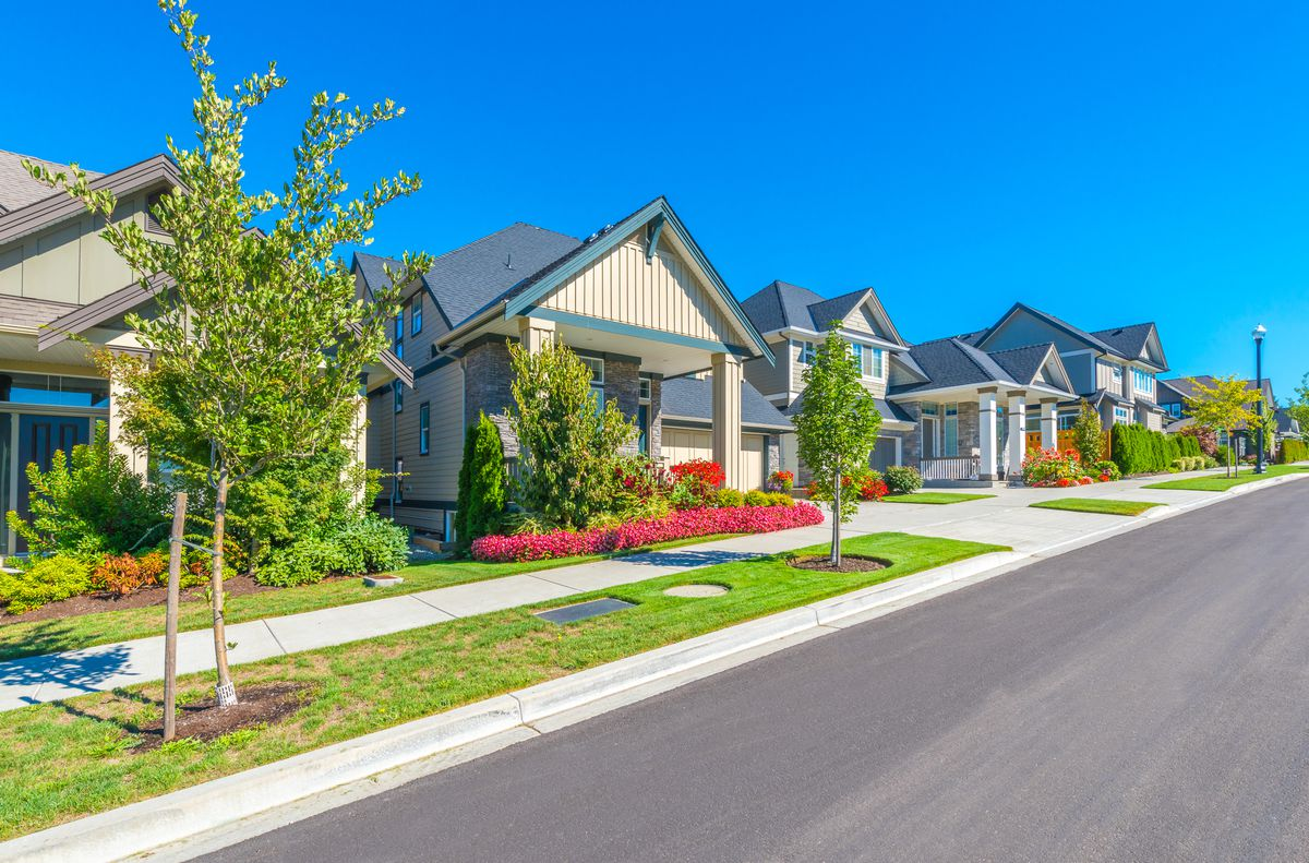 Should I buy a home? A debate over the value of homeownership - Curbed