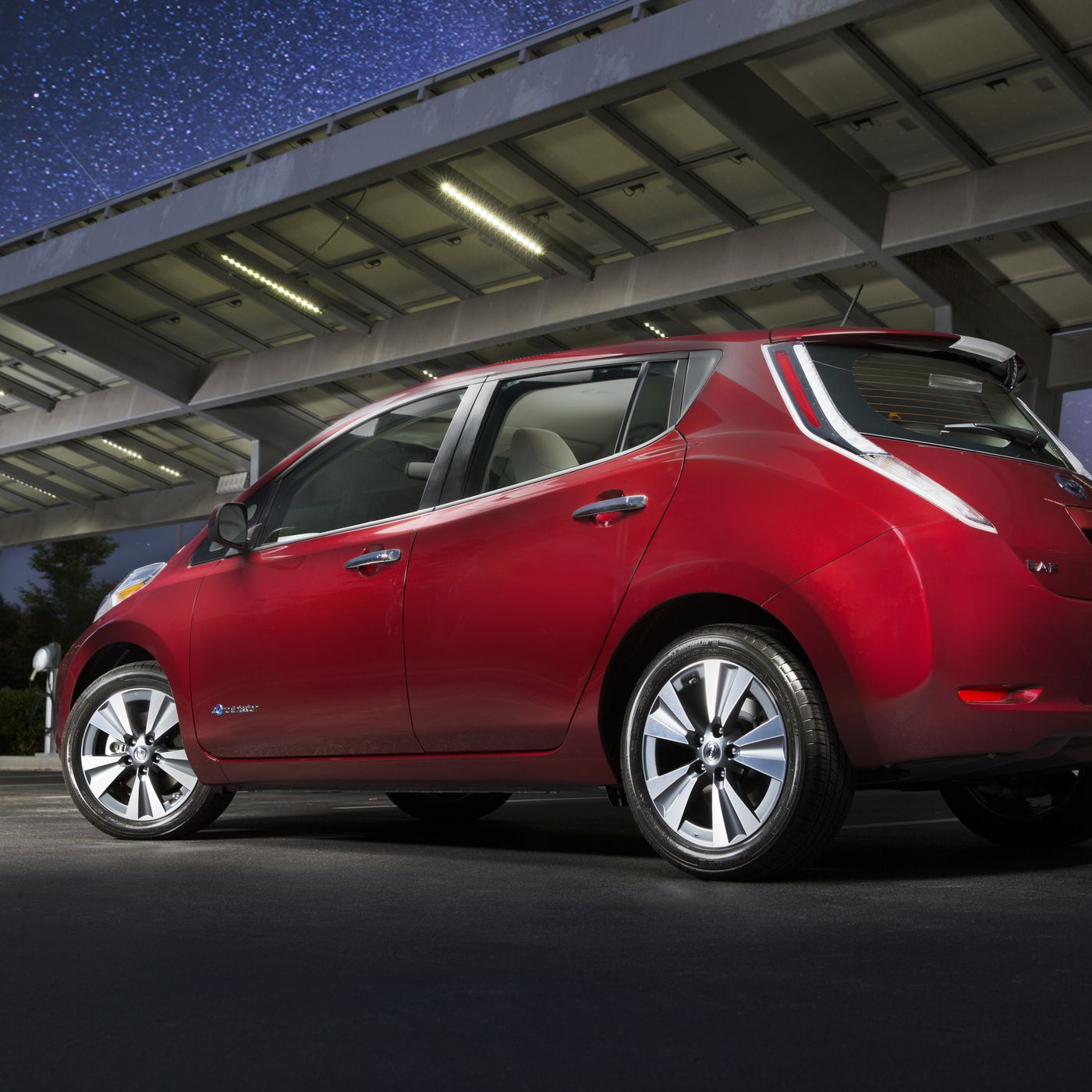 The 2016 Nissan Leaf Can Take You 107 Miles On A Single Charge Verge