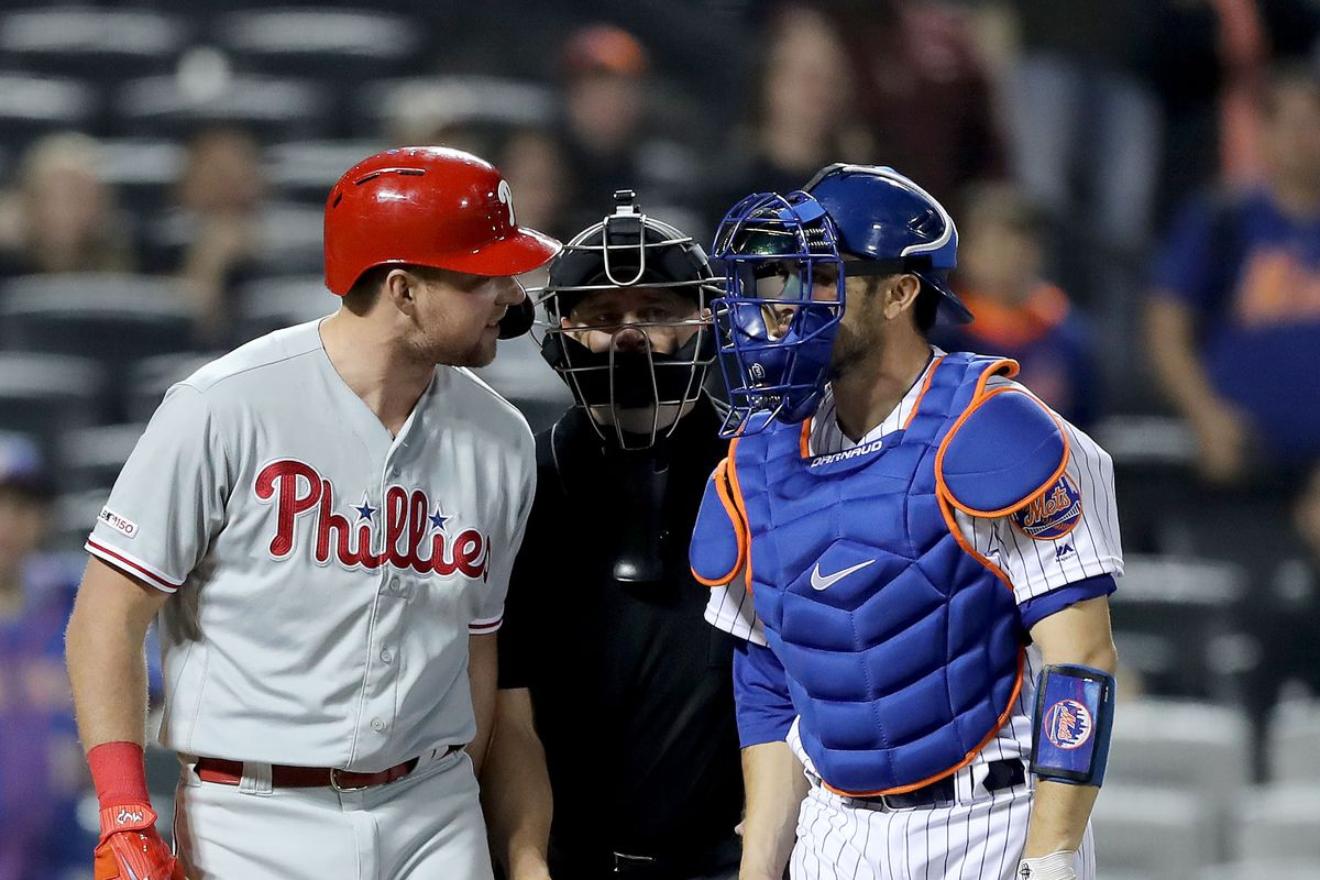 Philadelphia Phillies patient approach being used against them; Rhys Hoskins and Andrew McCutchen need to adj…