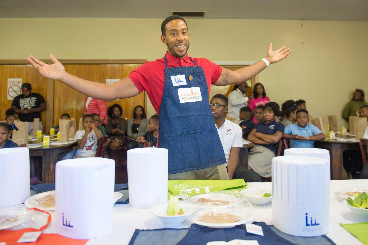 Ludacris working a charity food drive.