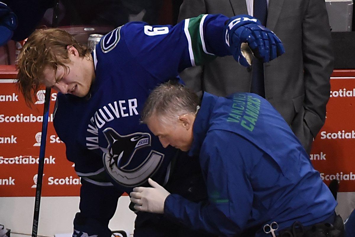 NHL: New York Islanders at Vancouver Canucks