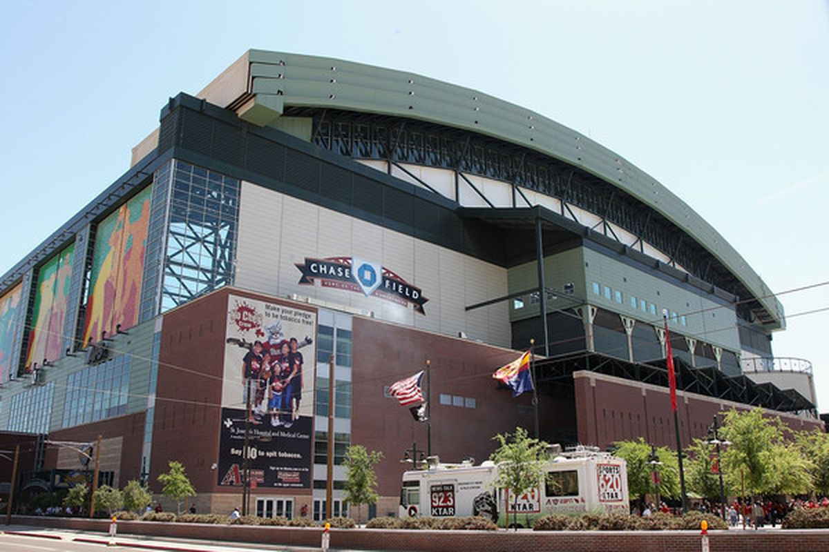 PHOENIX - APRIL 05:  General view of Chase Field before the Opening Day major league baseball game between the San Diego Padres and the Arizona Diamondbacks on April 5, 2010 in Phoenix, Arizona.  (Photo by Christian Petersen/Getty Images)