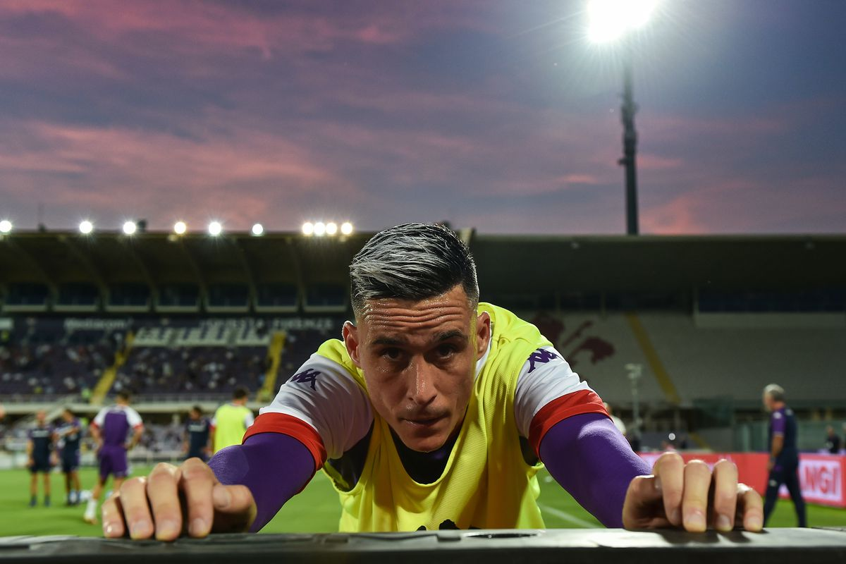 Jose Maria Callejon of ACF Fiorentina warms up during the...