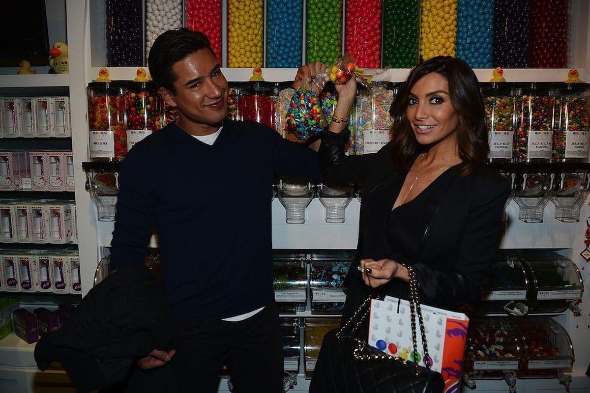 Mario Lopez and Cara Mazza at Sugar Factory American Brasserie. Photo: Denise Truscello/WireImage