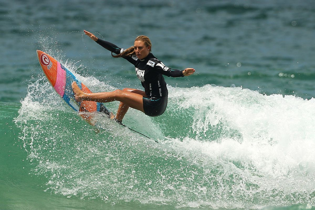 MANLY, AUSTRALIA - FEBRUARY 18:  Nikki Van Dijk of Australia competes in the Junior Women's Final during the 2012 Australian Surfing Open on February 18, 2012 in Manly, Australia.  (Photo by Cameron Spencer/Getty Images)
