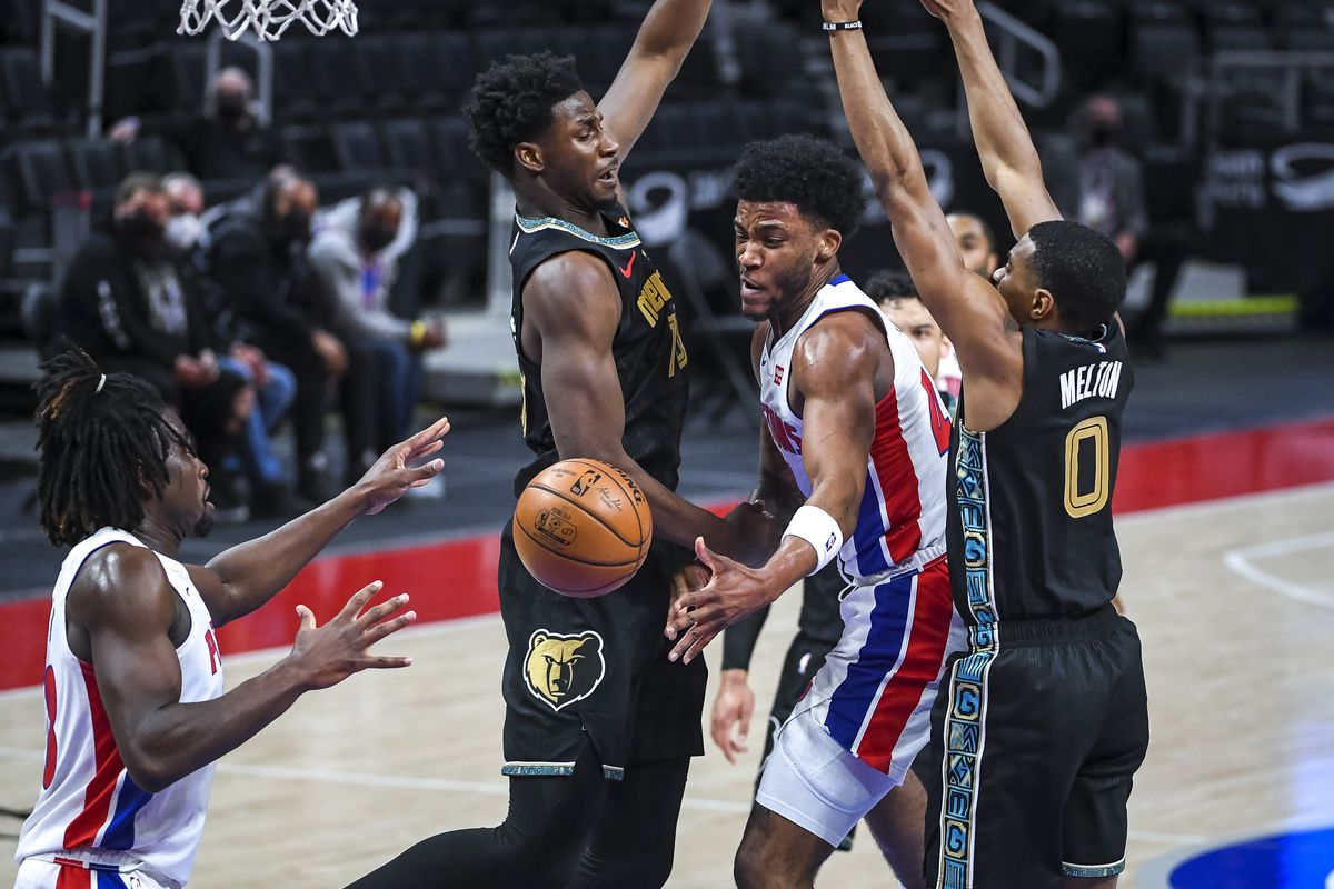 Memphis Grizzlies v Detroit Pistons