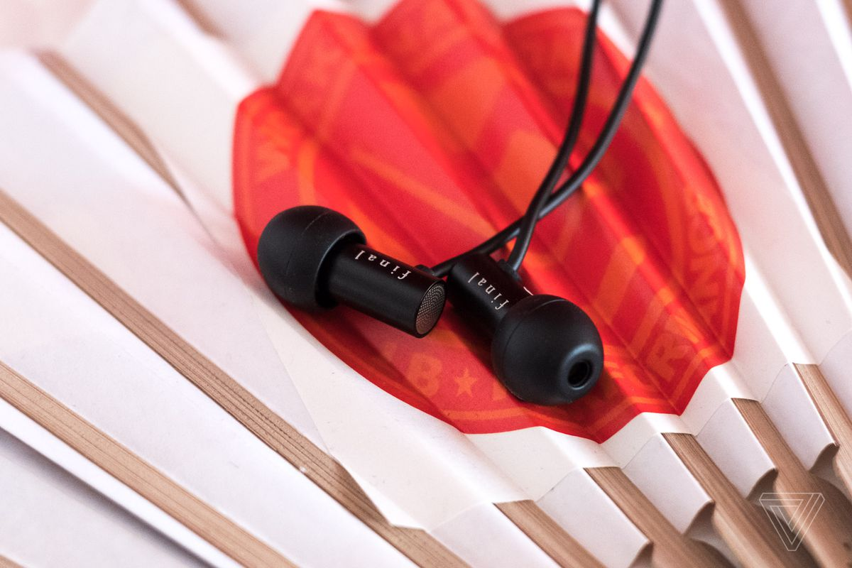 a7048afbabd This year's best-value earphones are the $45 Final E2000 - The Verge
