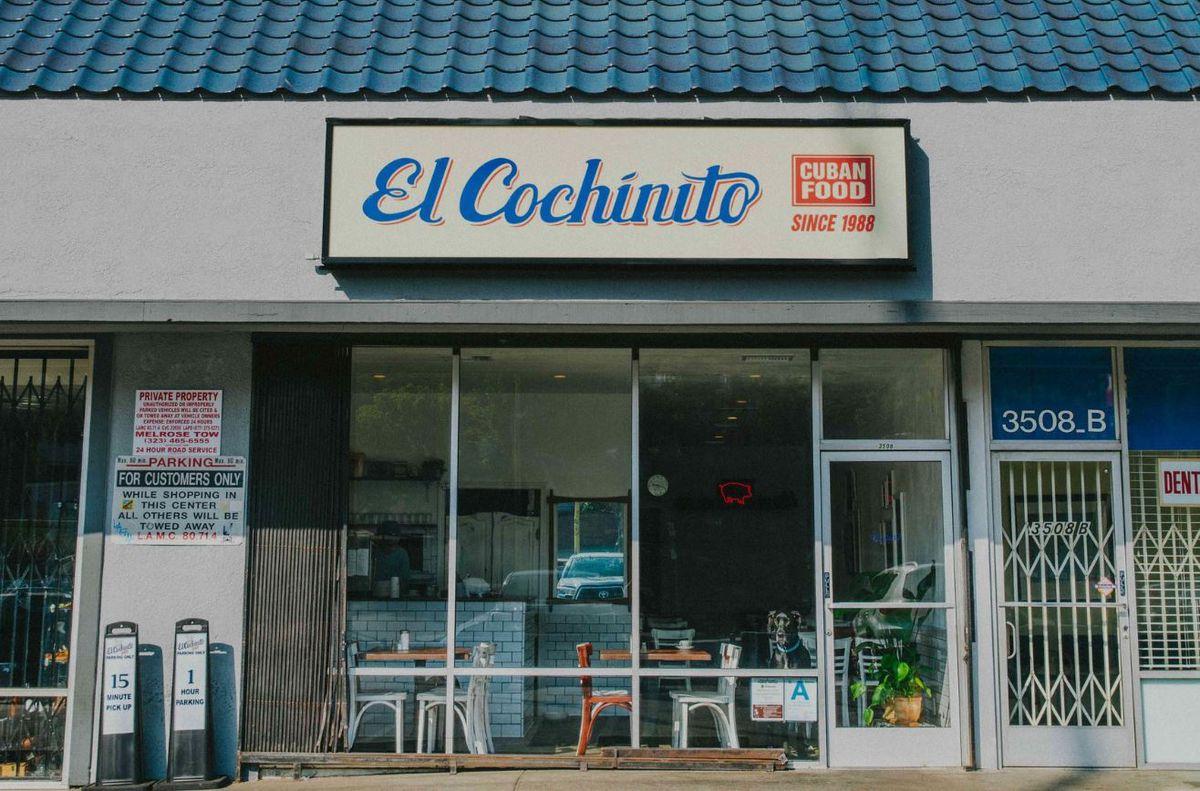 Outside El Cochinito