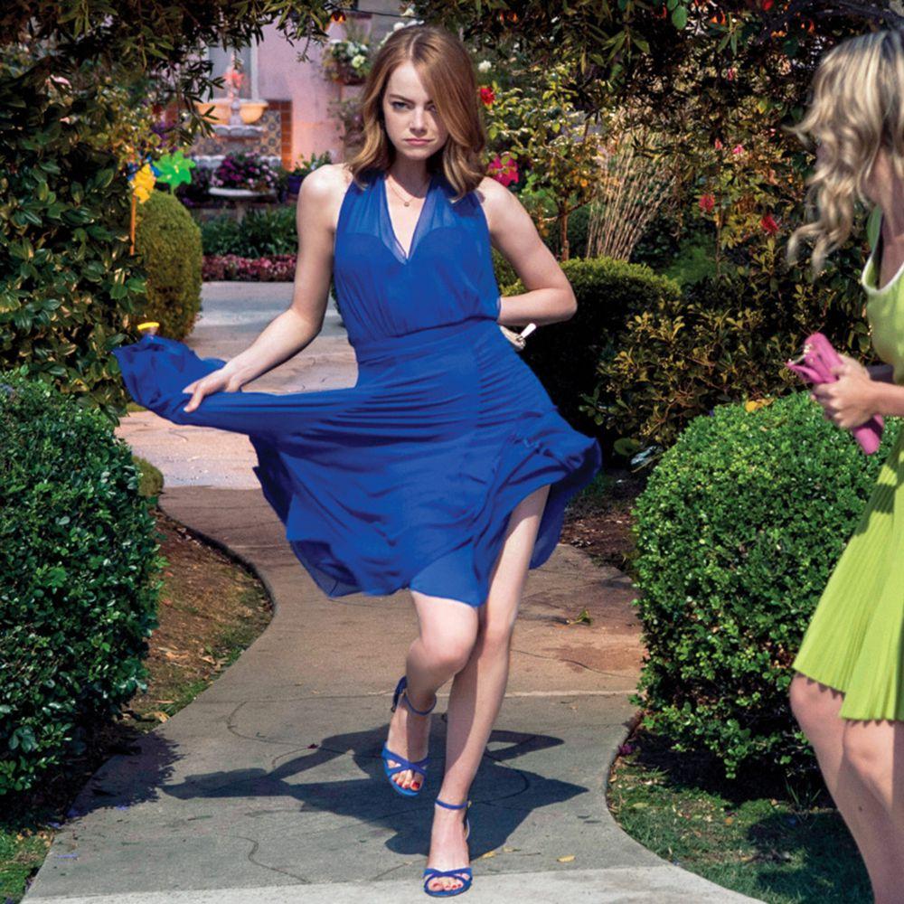 Emma Stone wears Kurt Geiger Chelsea Sandals (no longer available). 1ff344f16281