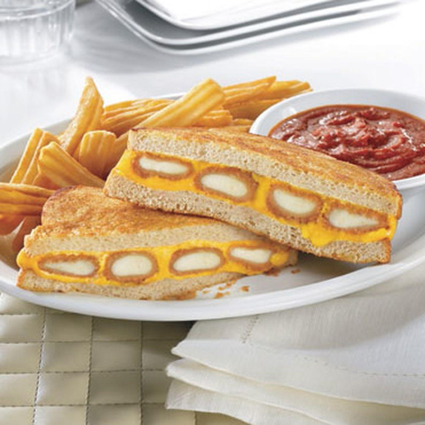 The Fried Cheese Melt Sandwich From Dennys Sneaks Mozzarella Sticks