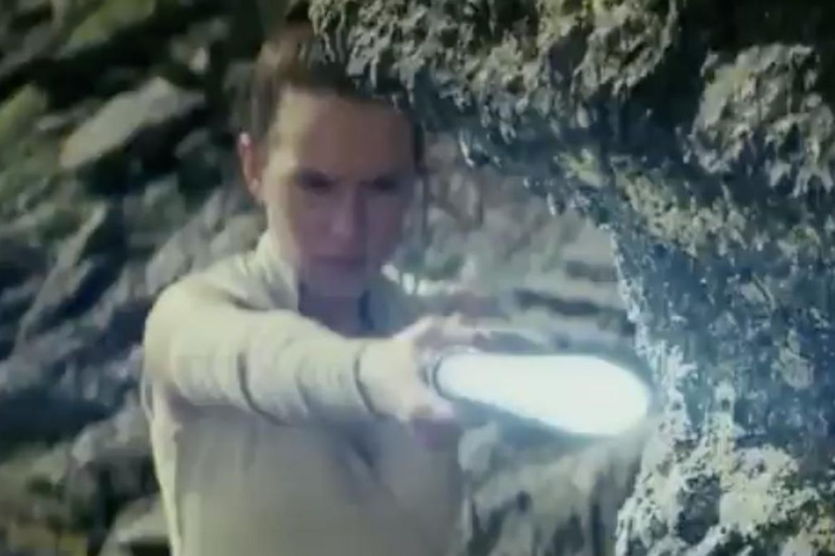 """The newest trailer for """"Star Wars: The Last Jedi"""" debuted tonight during the Monday Night Football matchup between the Minnesota Vikings and Chicago Bears."""