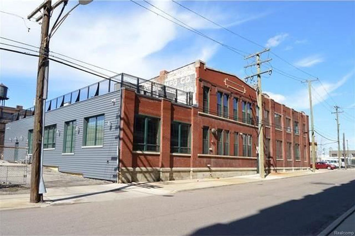 For 1 4m A Massive East Riverfront Warehouse Loft