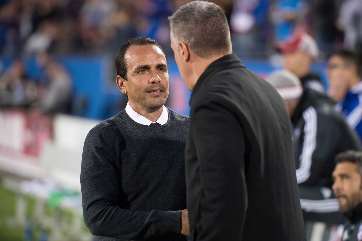 """""""So then I said, 'HEY PORTER! HERE'S A TISSUE!' Isn't that funny?"""" - Oscar Pareja"""