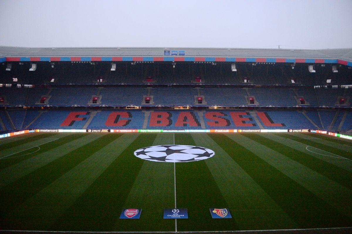 FC Basel 1893 v Arsenal FC - UEFA Champions League