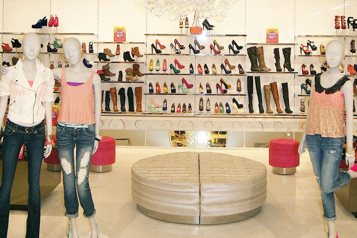 1d05b645d3 Charlotte Russe going out of business - Chicago Sun-Times