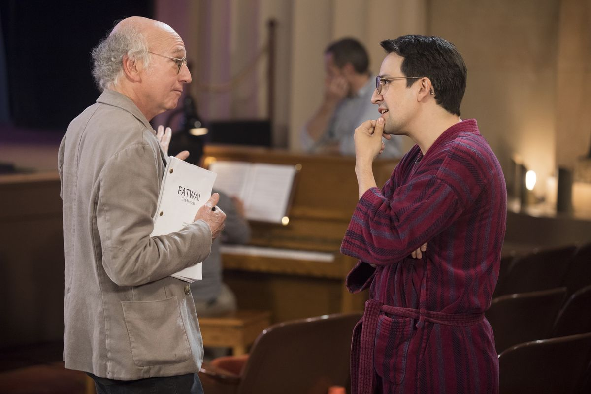 Larry David and Lin-Manuel Miranda in 'Curb Your Enthusiasm'