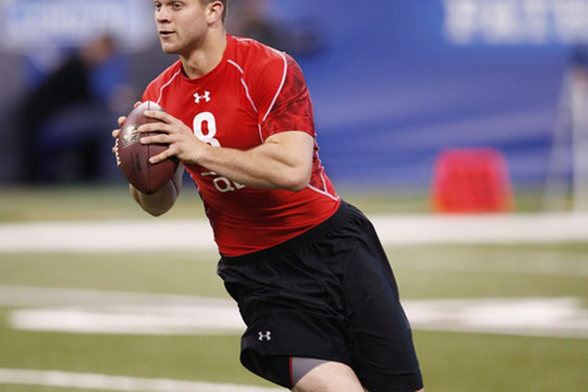 INDIANAPOLIS, IN - FEBRUARY 27:  Quarterback Jake Locker of Washington runs a passing drill during the 2011 NFL Scouting Combine at Lucas Oil Stadium on February 27, 2011 in Indianapolis, Indiana. (Photo by Joe Robbins/Getty Images)
