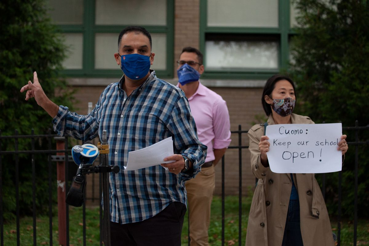 Parent Corey Kanterman spoke out against Gov. Andrew Cuomo's plan to close Forest Hills schools during a coronavirus spike in some Queens and Brooklyn areas, Oct. 7, 2020.