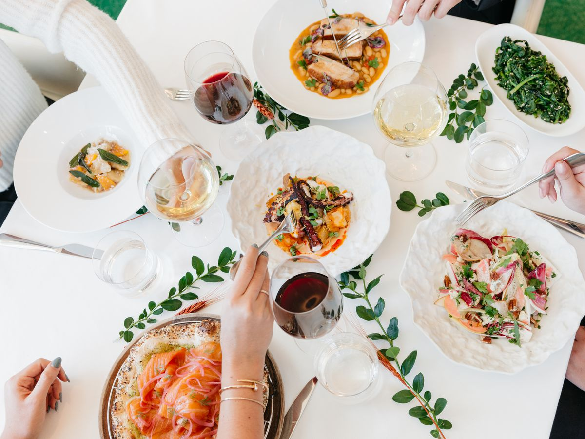 Where To Eat On Christmas Day In Los Angeles 2018