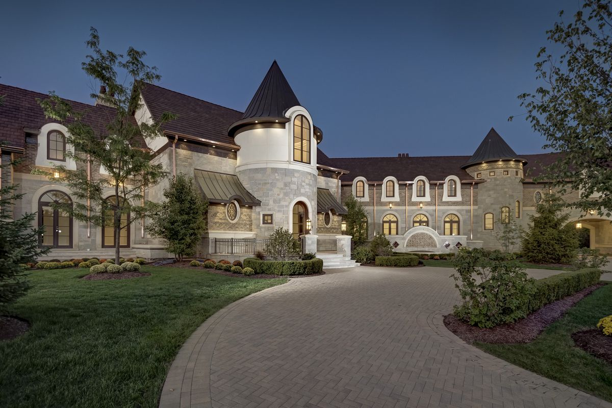 Average House Rent In Usa Barrington Area Mega Mansion Fetches 4 9m Curbed Chicago