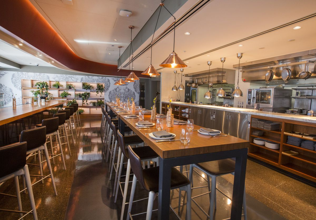 Inside Woodwind Streeterville S New Terrace Restaurant Now