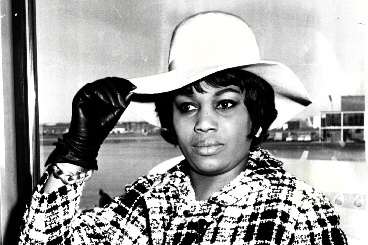 Leontyne Price, the world-renowned American soprano star, arrived at O'Hare Field