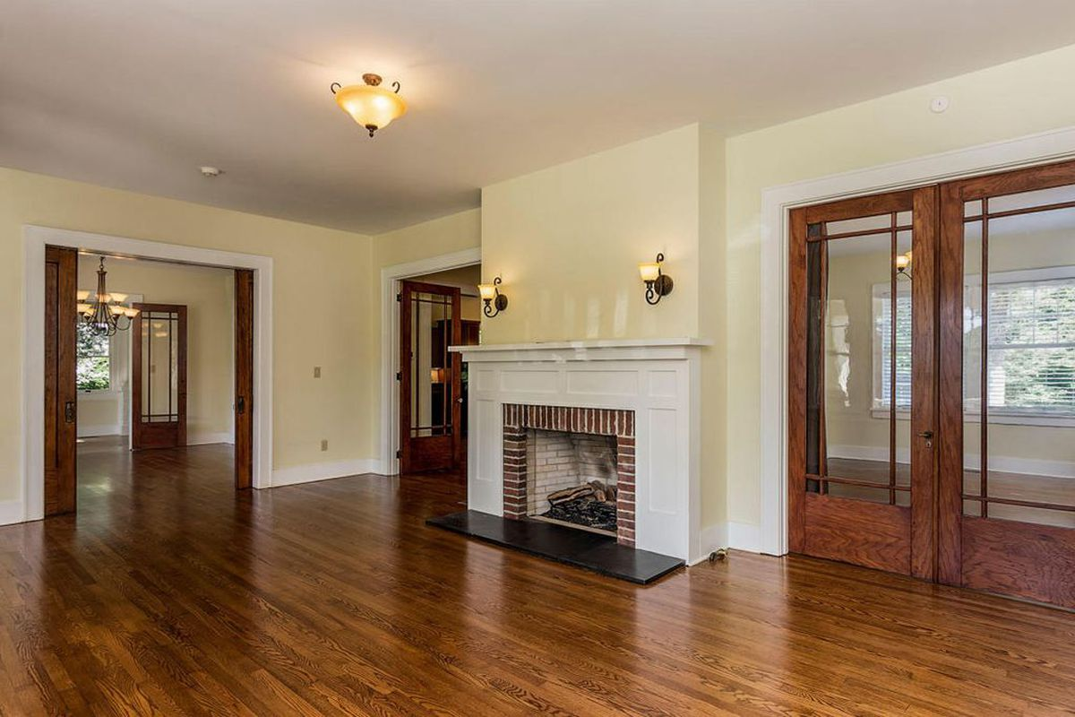 3 American Foursquare houses you can buy right now - Curbed on ranch house interior designs, american foursquare floor plans, federal house interior designs, american foursquare lighting, american foursquare living room, american foursquare blueprints, american foursquare renovation, victorian house interior designs, pole barn house interior designs, american foursquare decorating, american foursquare farmhouse, american foursquare addition plans, american foursquare kitchen, contemporary house interior designs, prairie house interior designs, adobe house interior designs, chalet house interior designs, american foursquare bedroom, american foursquare architecture, american foursquare porch,