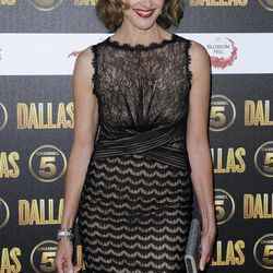"""FILE - In this Aug. 21, 2012 file photo, Brenda Strong arrives for the Dallas launch party in London. Strong, a 2012 Emmy nominee, would love to be on the TV show """"Game of Thrones"""" playing a queen as her dream role."""