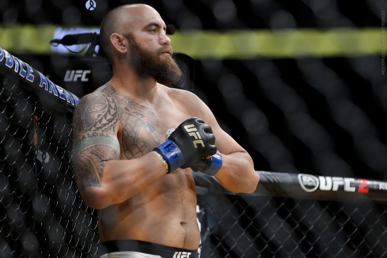 Travis Browne rips Derrick Lewis on Instagram; wants rematch