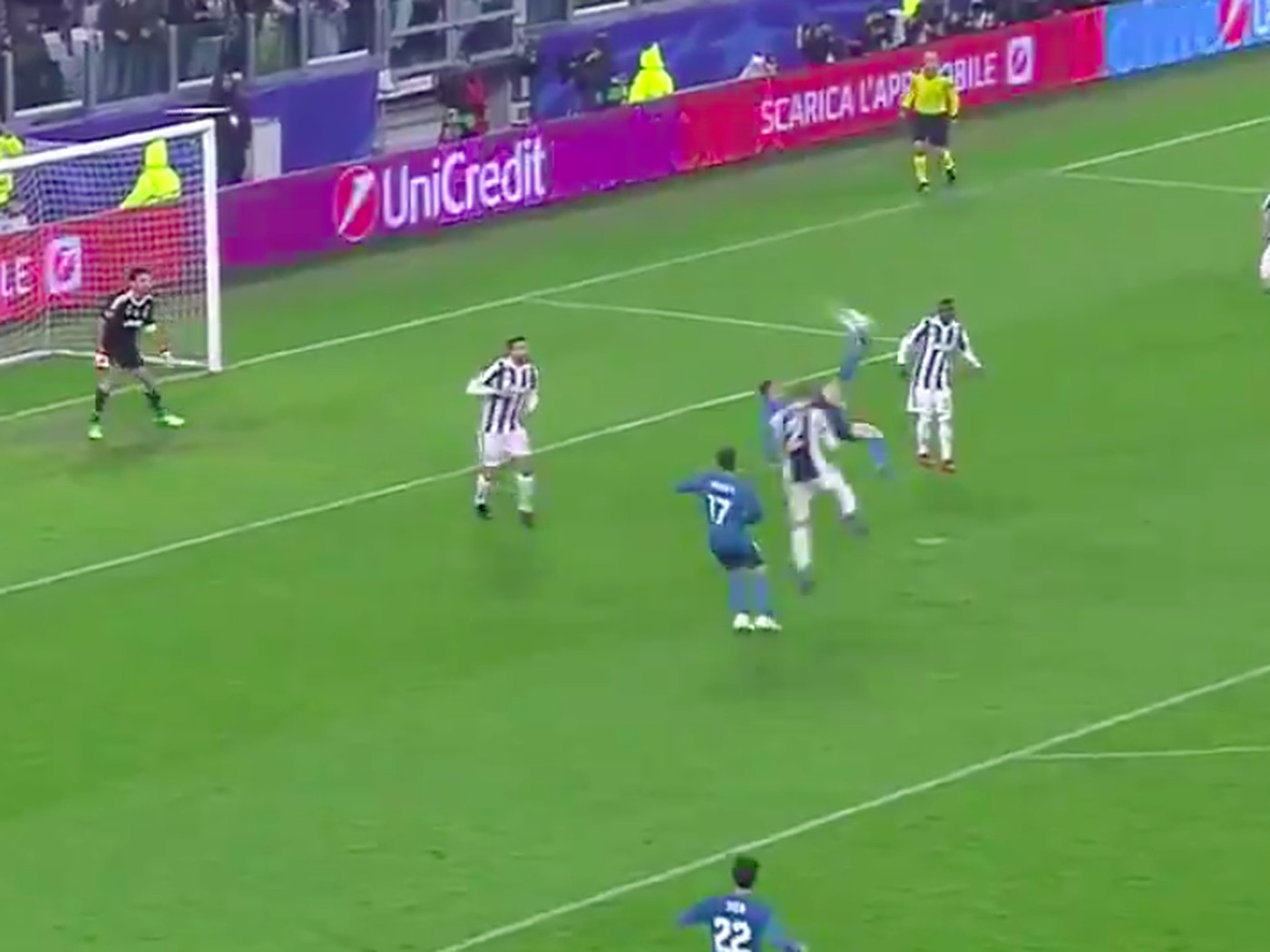 This Cristiano Ronaldo Bicycle Kick Goal Is Mind Blowing Even For Him Sbnation Com