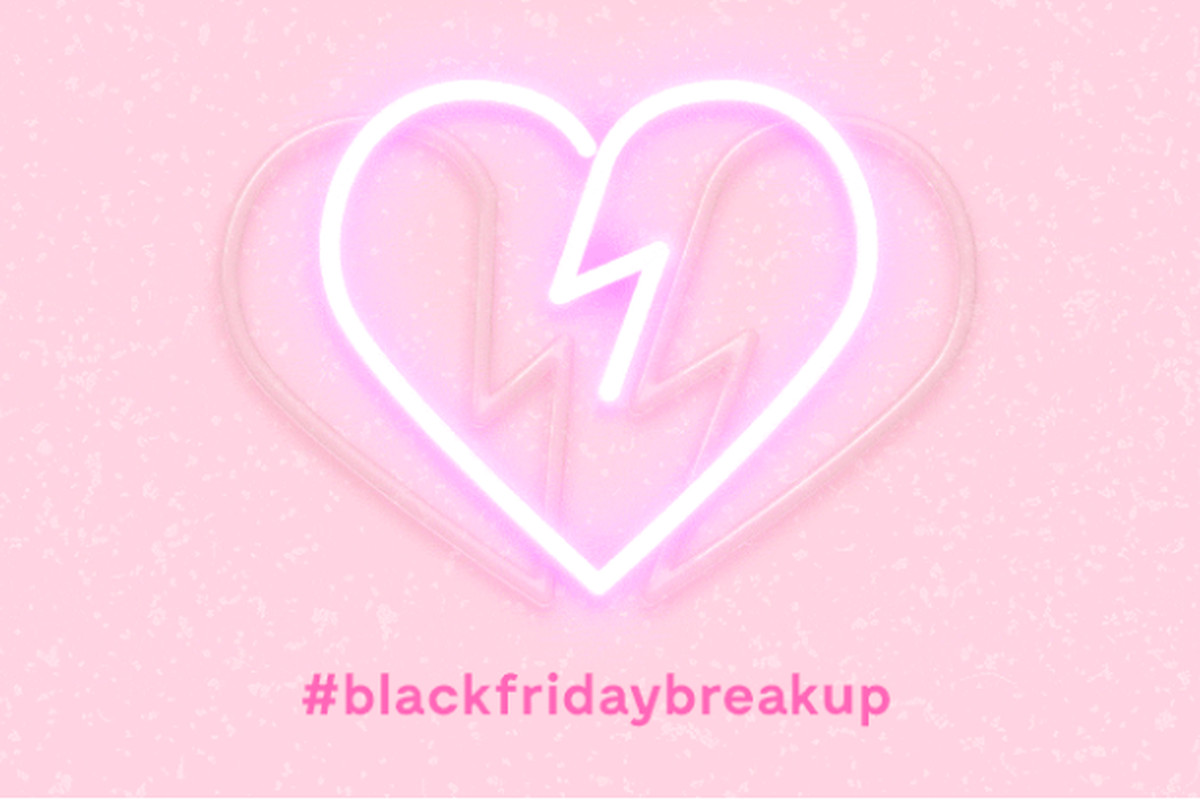 An image of a heart breaking along with a hashtag that says #blackfridaybreakup