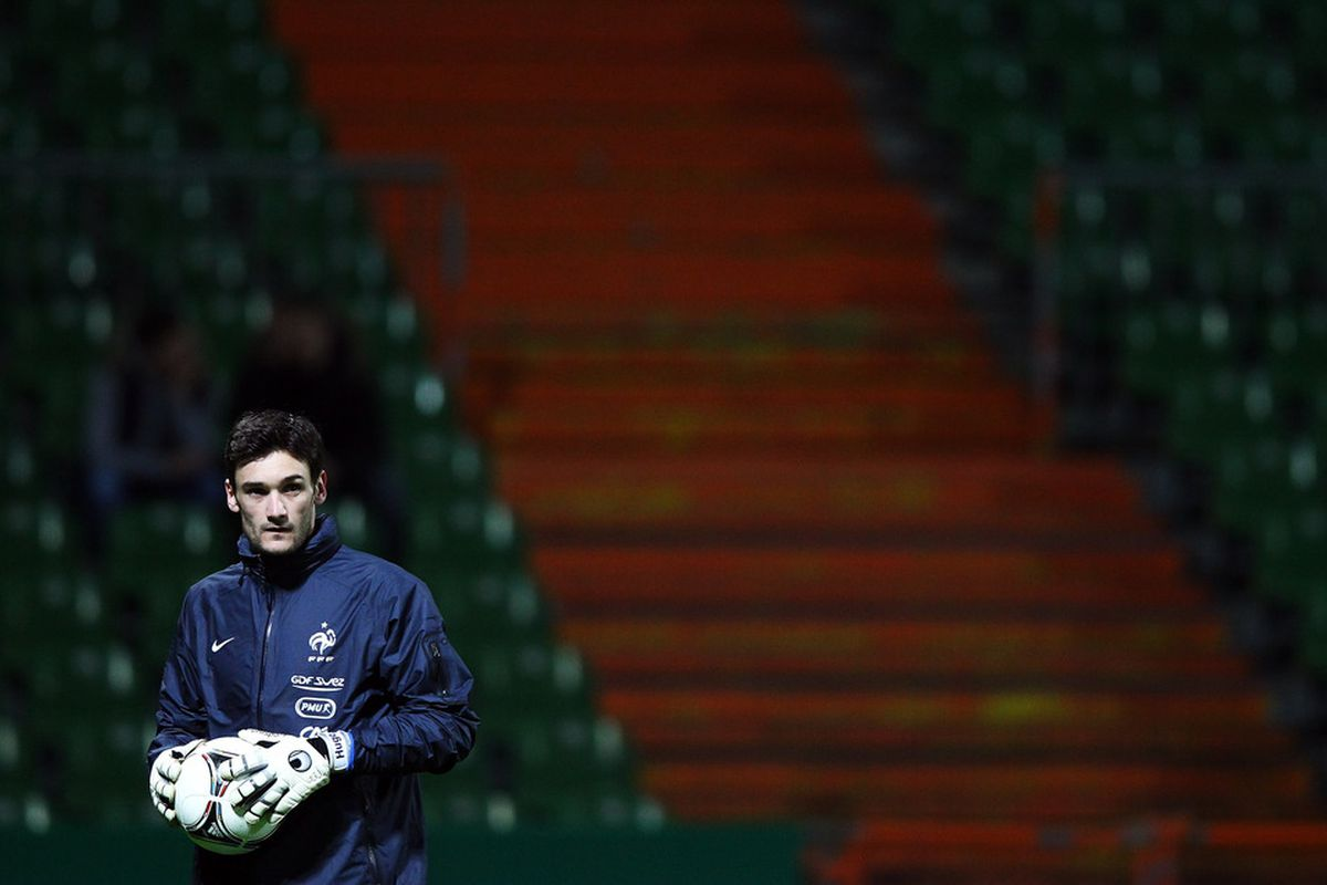 BREMEN, GERMANY - FEBRUARY 28:  Hugo Lloris of France is seen during a training session of France at Weser stadium on February 28, 2012 in Bremen, Germany.  (Photo by Joern Pollex/Bongarts/Getty Images)
