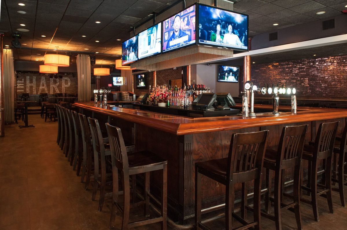 Take a tour of the best hockey and basketball bars near td garden eater boston for Restaurants near td garden boston ma