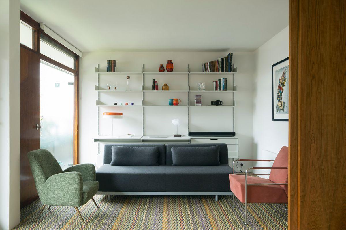 At London S Barbican Estate Midcentury Apartment Gets Sleek Revamp