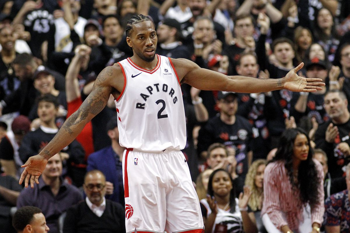 9cf9df0bfcc Kawhi Leonard expected to re-sign with Raptors, 'at least on a short-term  deal'