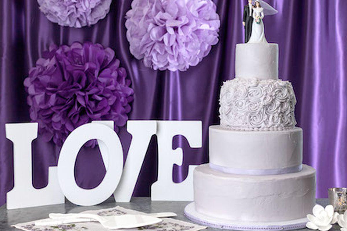 Photos: Magnolia's tiered wedding cakes