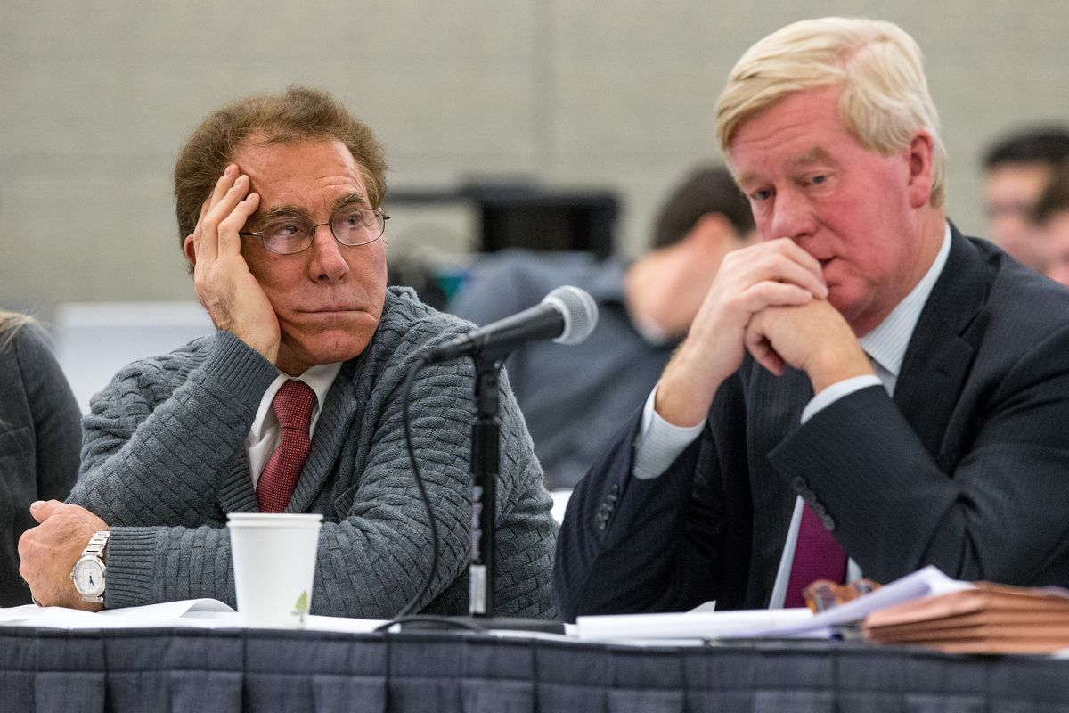 Casino magnate Steve Wynn (left) with chief lobbyist and former Massachusetts Governor William Weld at a meeting of the Massachusetts Gaming Commission.