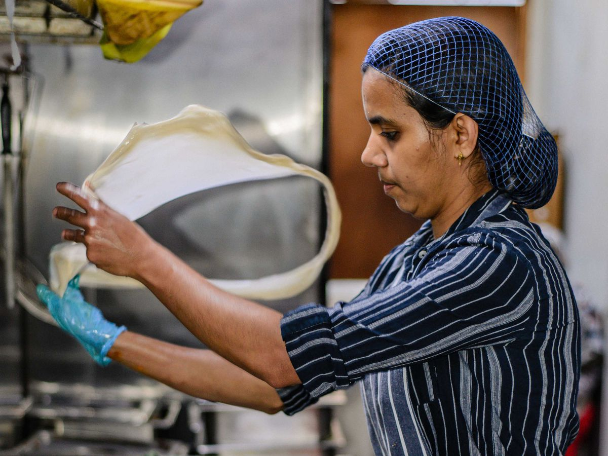 Thattukada owner makes bread by hand