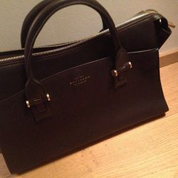 """""""Look at this gorgeous chocolate brown Smythson bag! Makes me feel like a grown up haha."""""""