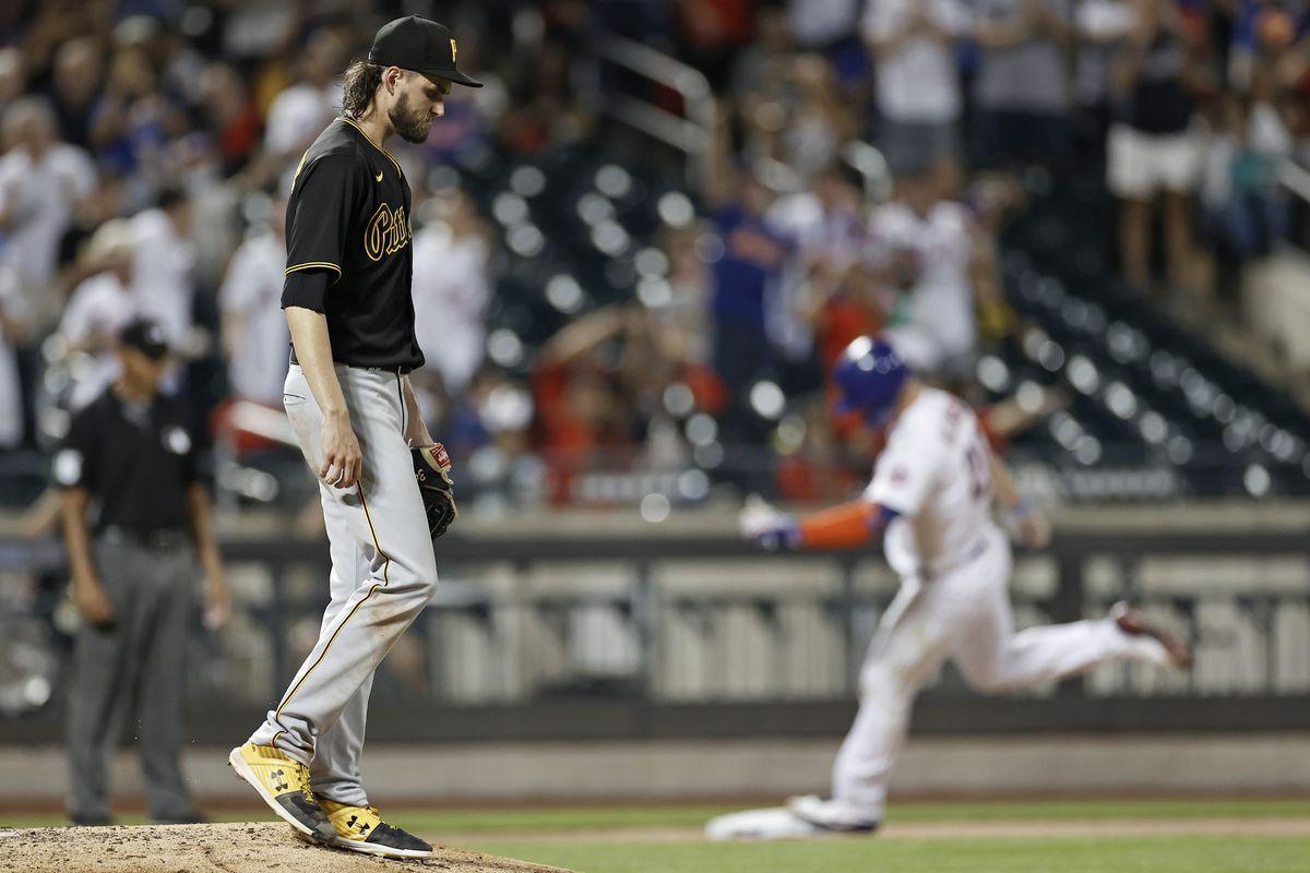 Pittsburgh Pirates v New York Mets