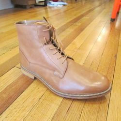 """Planning to wear black chinos or even dark jeans? J Shoes' sleek """"Fellow"""" boots ($229 at Fabric Row footwear boutique <a href=""""http://philly.racked.com/places/bus-stop"""">Bus Stop</a>) will go great with a slim trouser and crisp white button up."""