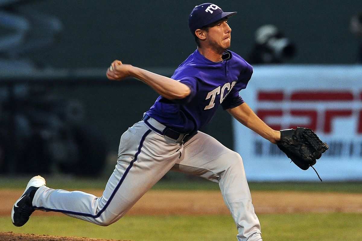 Pictures of Baseball players in motion are hilarious