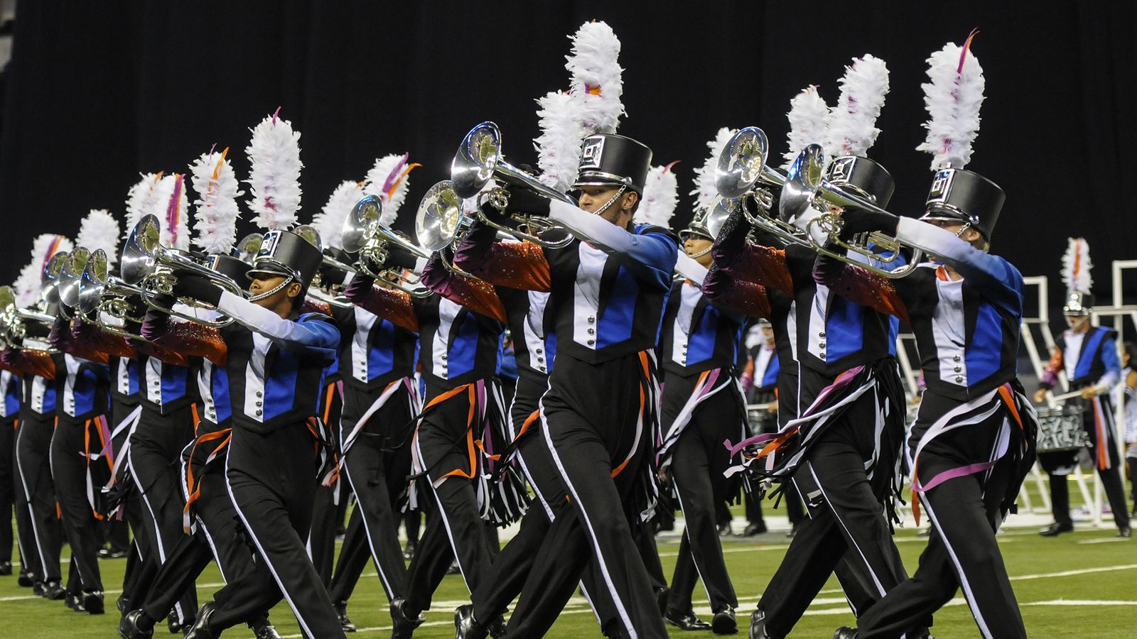 Drum_corps_international_2015_world_champion_blue_devils.0