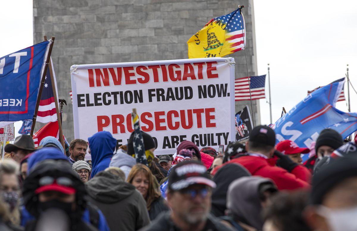 Les partisans de Trump organisent un rassemblement «Stop The Steal» à DC au milieu de la ratification de l'élection présidentielle