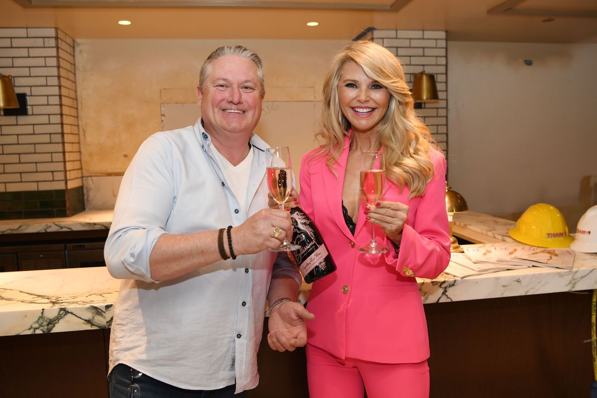 Smith & Wollensky president and CEO Michael Feighery and Christie Brinkley
