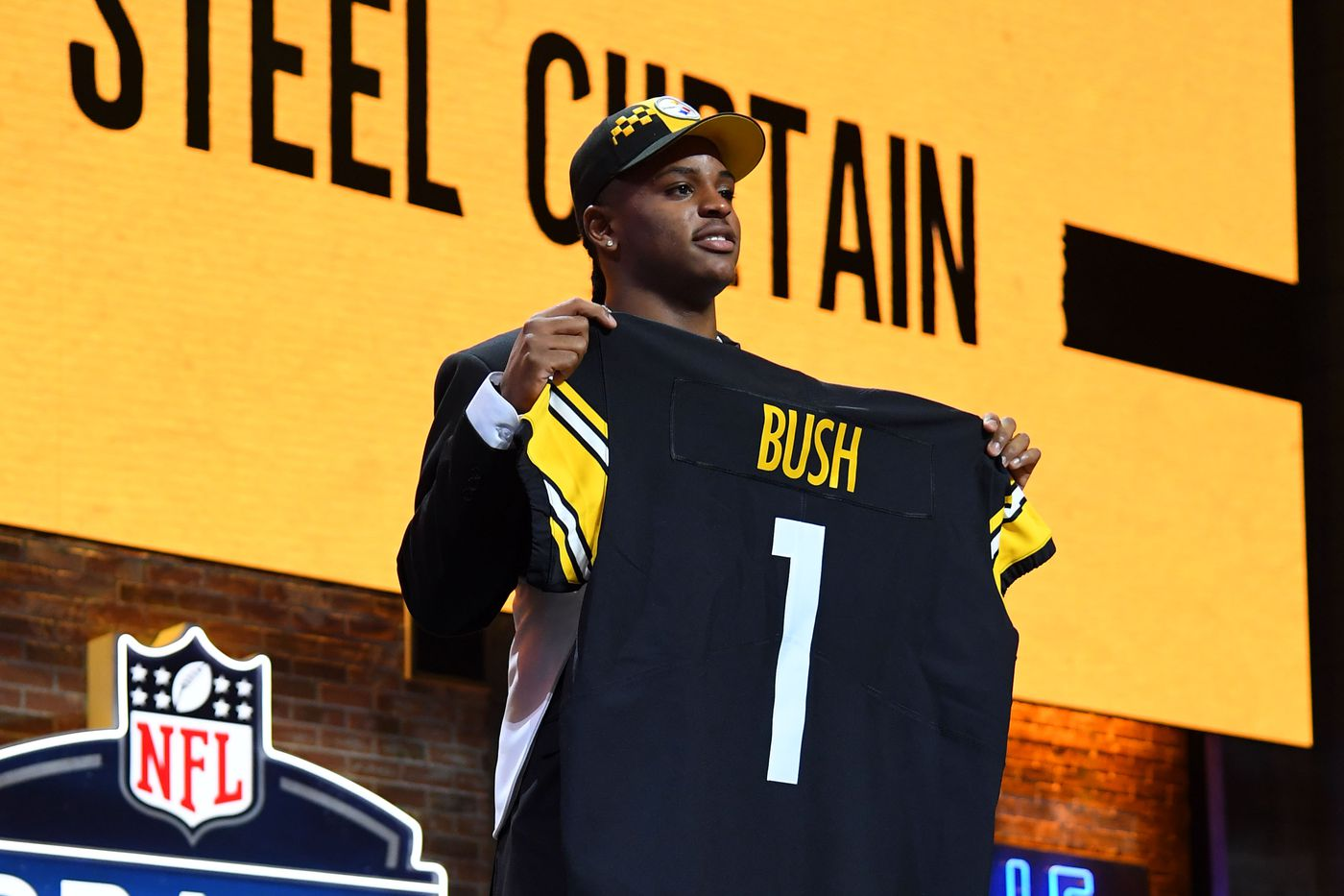 c5c9f44e9d2 Expected salary cap costs of Steelers 2019 first-round draft pick Devin Bush